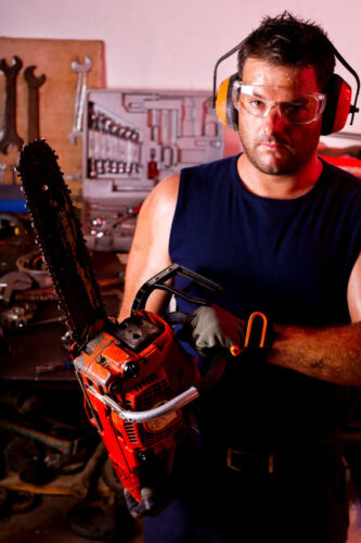 How to Determine the Right Chainsaw Engine Size for Your Needs