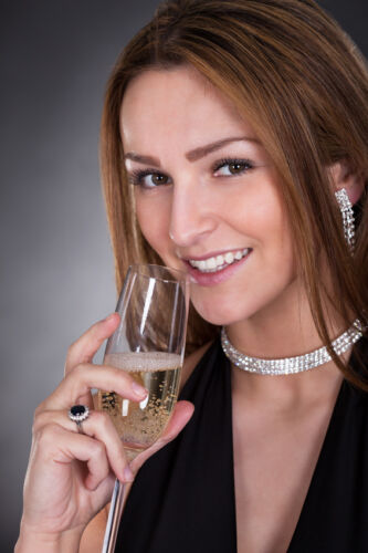 How to Buy a Diamond Necklace on eBay