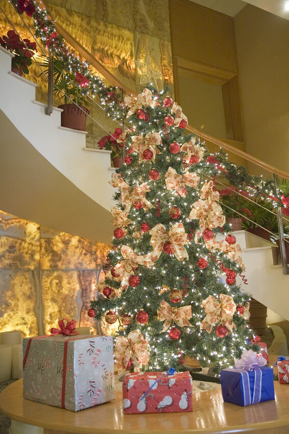 How to decorate your stairs for christmas ebay for How to decorate your stairs for christmas
