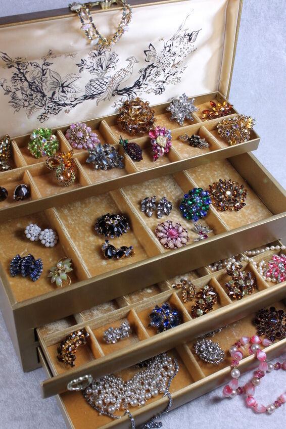 how to clean vintage rhinestone jewelry