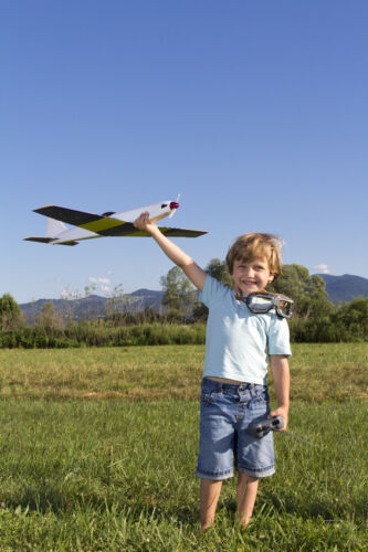 How to Fly a Radio Control Aeroplane