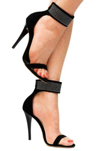 Hilfreiche Tipps, wie Sie in Stiletto-Schuhen einen guten Stand ...