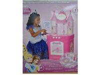 Disney princess kitchen - BRAND NEW - with sound effects. Grwt