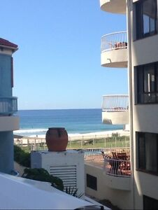 Beachfront Room Available ! Females only, Bills included Surfers Paradise Gold Coast City Preview
