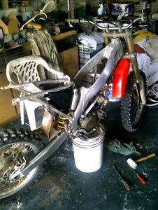 Looking for Honda cr250s