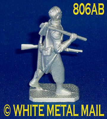 Napoleonic Casting 806AB 1:32 Napoleonic Wars Sapper Marching with Axe Barehead
