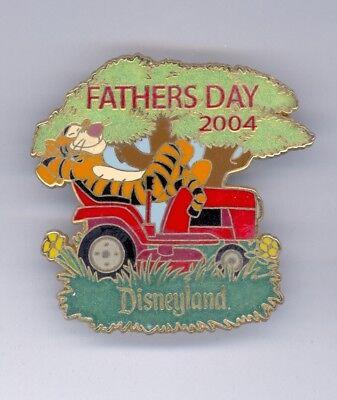 Disney Disneyland Father's Day Tigger Kicking Back on Lawn Mower Pooh LE Pin