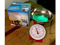 NEW Traditional Red Kitchen Scales With Stainless Steel Bowl - 0-5kg