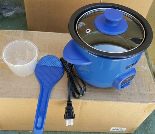 DASH  MINI RICE COOKER DRCM100BU. BLUE COLOR