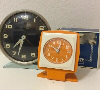Vintage retro Clocks alarm clocks for Repair.