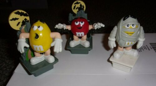 M&M - 3 EURO SQUARE  HALLOWEEN TOPPERS  --   FREE SHIP