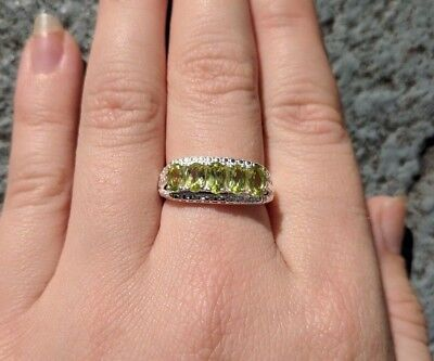 (Genuine Peridot Five Stone Ring Solid Sterling Silver 1.35 Carats Size 6.0)