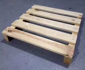 """SMALL, DRY PALLETS. Up to L35"""" x W35"""" x H5"""" in size. Perfect for firewood and DIY! (£2 EACH!)"""