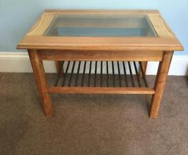Pine Coffee Table with Glass Top and Shelf H19in/48cm W27.5in/69cm D19in/48cm