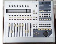 *** Yamaha 01X Digital Mixer Audio Interface Mixing desk Effects Unit ***