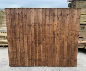 🦋 Brown Pressure Treated Vertical Board Straight Top Wooden Garden Fence Panels