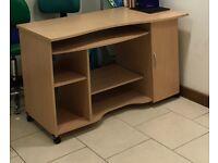 Computer desk -very good condition!