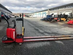 2010 Chariot elevateur/Forklift, Raymond 840-FRE80L