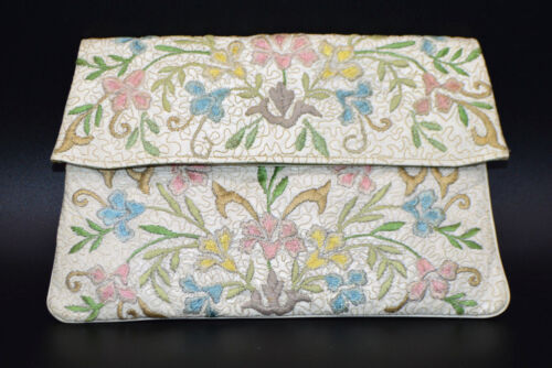 HANDMADE LILLIAN White Floral Embroidered Fold-Over Clutch Purse Wallet Vintage