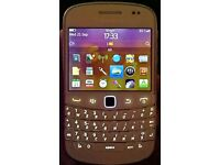 BLACKBERRY BOLD 9900 SMART PHONE (UNLOCKED) BIT TEMPERAMENTAL - SEE AD
