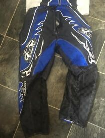 Kids wulfsport motocross kit