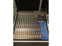 Yamaha MG16XU Professional Mixer 16 channel with USB and FX: Free Flight Case