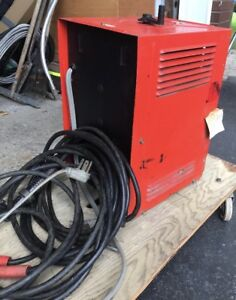 Welder with cables 150 amps Ac/Dc