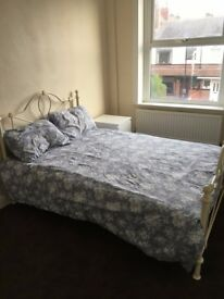2 large furnished double rooms in quiet location in Bramley
