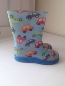Next wellingtons boys size 8