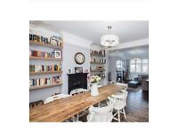 *BARGAIN* stunning solid oak dining table with 7 white wooden chairs.