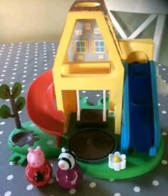 Peppa pig weeble wobble house with weeble peppa and zoe