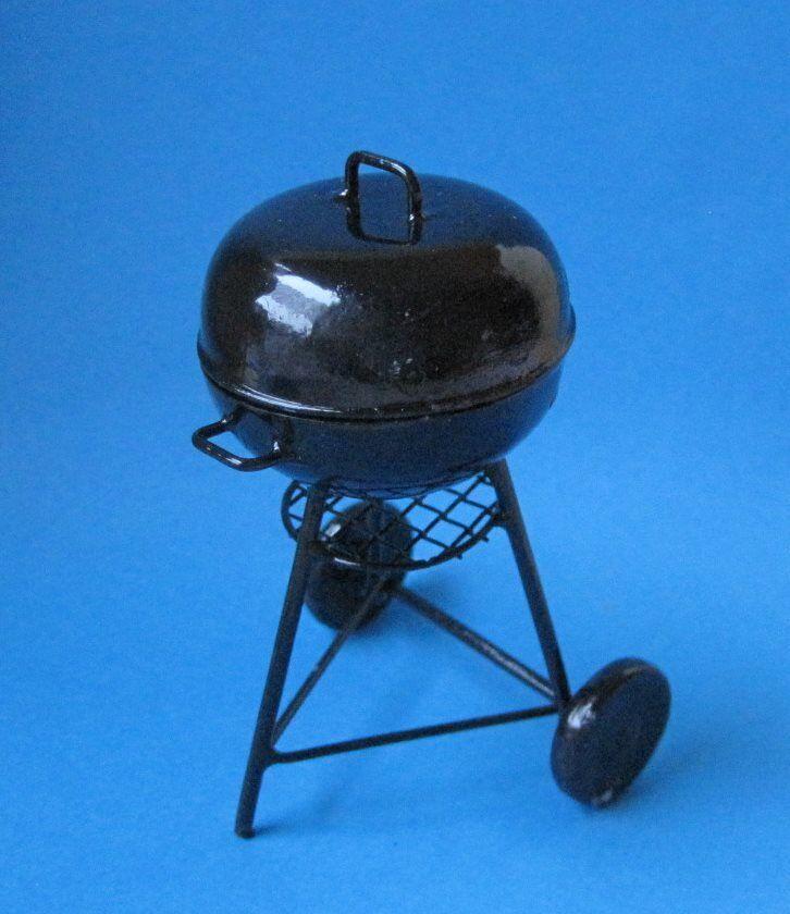 Mini Rundgrill Kugel Grill auf Raeder schwarz  für Puppenhaus Miniaturen 1:12