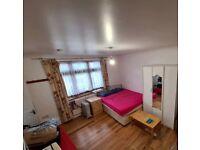 Studio in North Wembley to rent