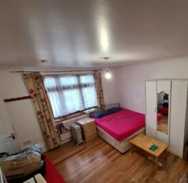 Studio Flat in North Wembley available now