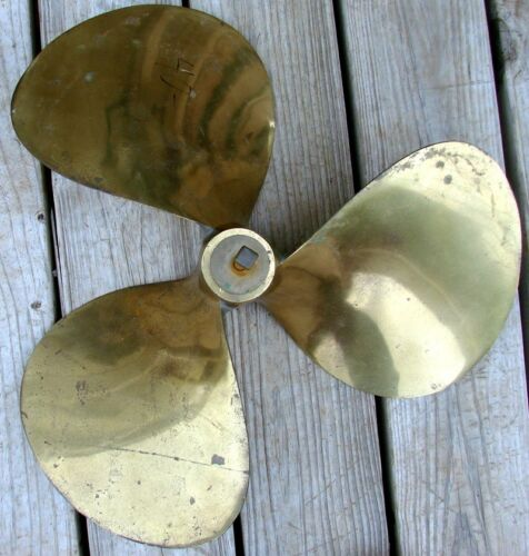 CHRIS-CRAFT Equi-Poise T-36 1616 RH 27# Brass Propeller 9/62 Nice Shape!