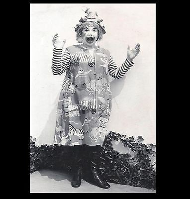 Scary Vintage Creepy Clown PHOTO Freak Weird Halloween Costume Circus Happy (Weird Scary Halloween Costumes)