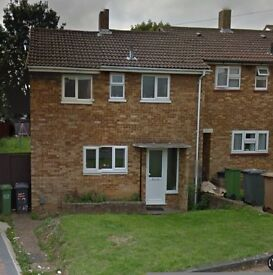PrestigeMove is Proud to present a Newly Redecorated 3 Bedroom Family Home near Icknield High School