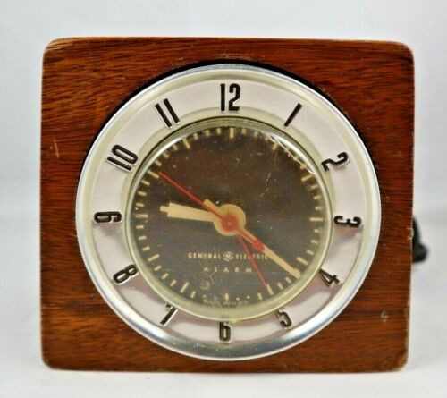 VINTAGE GE GENERAL ELECTRIC ALARM CLOCK MODEL 7HA212 WOOD