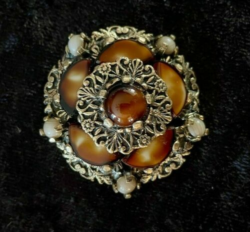 Vintage signed Miracle Brooch ~ Scottish Shades of Brown Art Glass Agate Pin