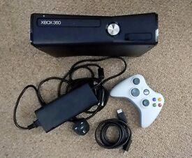 Xbox 360 4gb and a lot of games