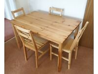 ARGOS HOME RAYE SOLID WOOD DINING TABLE & 4 CHAIRS IN PINE