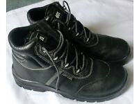COMPOSITE MENS SAFETY TOE CAP BOOTS - SIZE 11 - NEW