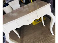 Gloss White Dressing Table with Crystal Handle