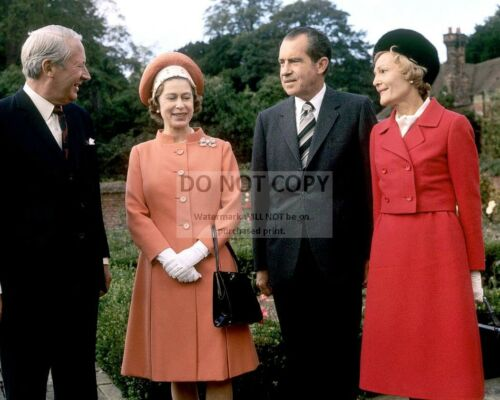 RICHARD NIXON w/ QUEEN ELIZABETH & UK PRIME MINISTER HEATH - 8X10 PHOTO (BB-420)