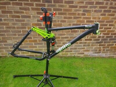 "Voodoo Canzo (2011) 18"" MEDIUM 26er Full Suspension FRAME ONLY with Headset"