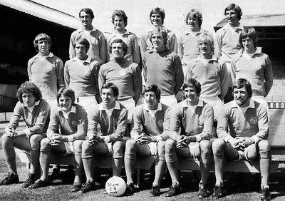 BLACKPOOL FOOTBALL TEAM PHOTO 1974-75 SEASON