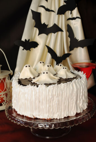 halloween decorated cake