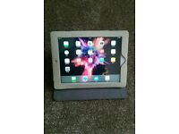 Ipad 4 32GB wifi in good condition