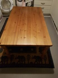 IKEA FARSHULT Koffe table