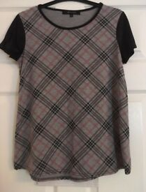 Newlook check tshirt size 8